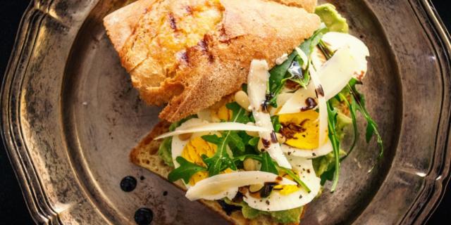 greek egg salad
