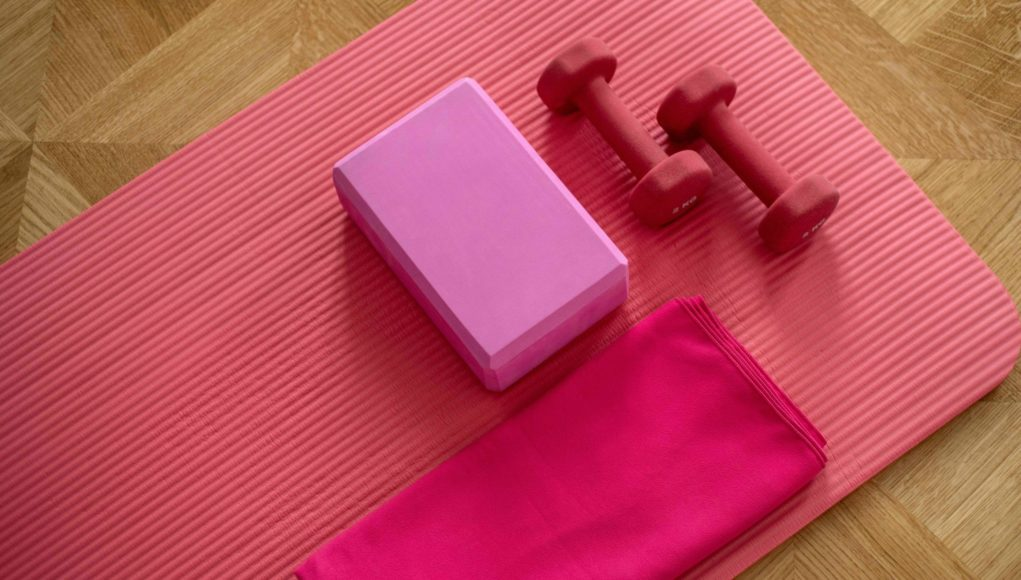 yoga mat and small hand weights